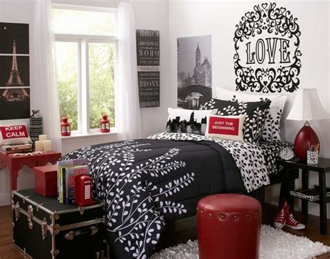 black red white bedroom decorating ideas clever small bedroom decorating ideas useful tips and tricks
