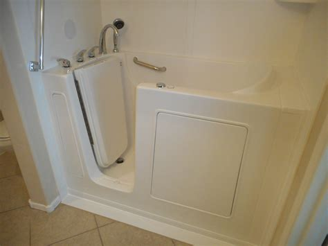 Walk In Bathtub Installation by Ma Walk In Bathtubs Before And After Ma Walk In Tubs