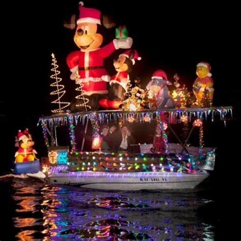 newport light parade cruises newport boat light parade decoratingspecial com