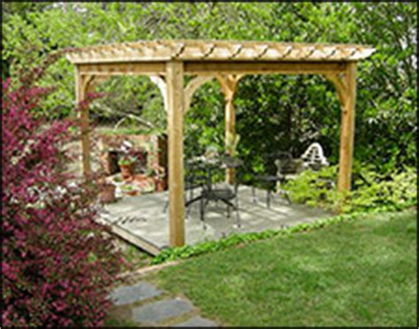 Backyard Creations Deluxe Arched Pergola With Gold Trim Patio Pergolas Pergola Kits Gazebocreations