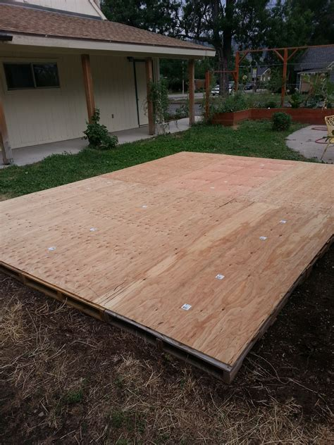 creating a dance floor from recycled pallets summer heat