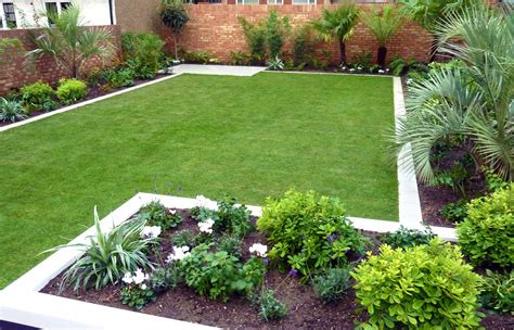 Garden Ideas For Large Gardens Medium Sized Backyard Landscape Ideas With Grass And