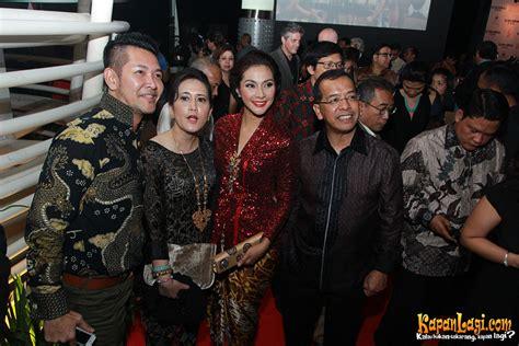 film premiere adalah para pejabat dan mantan hadiri gala premiere soekarno