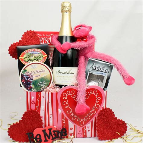 valentines day delivery gifts s day gift baskets valentines day gift basket