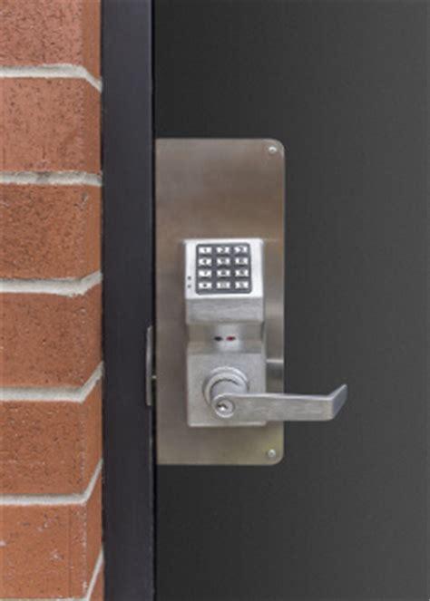 door to door businesses security doors install and repair dc local locksmiths experts
