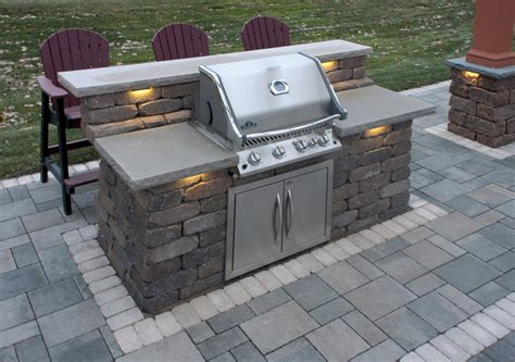 Diy Outdoor Kitchen Island by Walls Columns Amp Grills Gallery Willow Creek Paving Stones