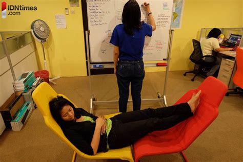Kursi Yang Bisa Jadi Tempat Tidur 21 spot yang bisa kamu jadikan tempat tidur di kantor