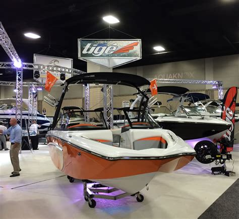 malibu boats in loudon tn photos downtown knoxville boat show norris lake tn