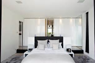 White Bedroom Ideas by White Bedroom Design Ideas Simple Serene And Stylish
