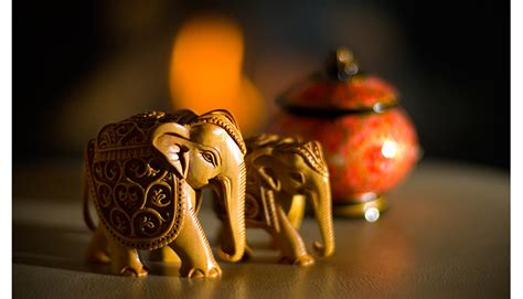 Candle Decoration At Home 32 awesome gifts that foreign travellers can take home