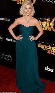 who was the blonde in dwts julianne hough flashes diamond engagement ring from brooks