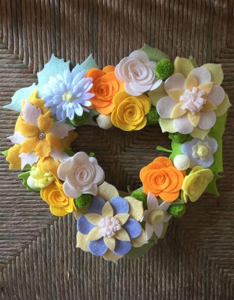 fiori di panno lenci ghirlanda fatta a mano con fiori di feltro e panno lenci