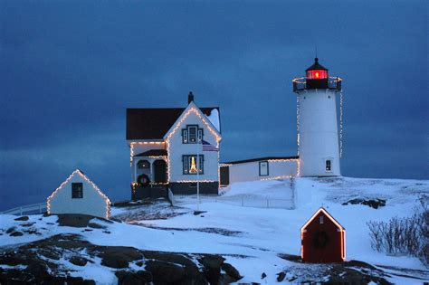 lighthouse holiday lighting nubble light atlantic