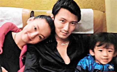 tina chen richie ren cecilia cheung posts happy family photos with husband and