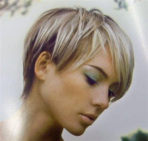 Comment Coiffer Des Cheveux Courts comment coiffer des cheveux courts gris