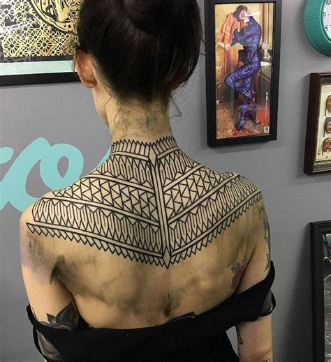 tattoo geometric back 208 best images about on pinterest triangle tattoos