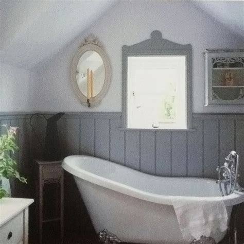 bathroom wainscoting for the home pinterest grey wainscoting the vintage modern home łazienki