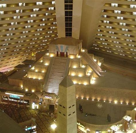 theme hotel elevator problem luxor hotel we go to vegas about every year stay in the
