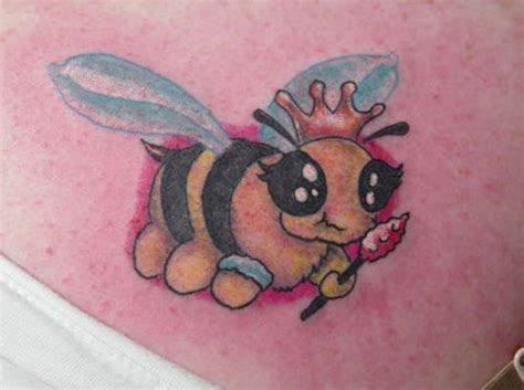 25 fabulous bumble bee tattoo designs creativefan