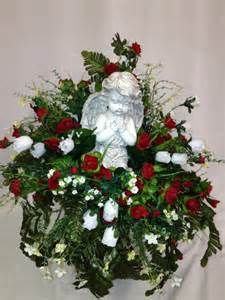 Small Vase Arrangements Cemetery Vase Praying Angel Statue With Red Roses Cemetery