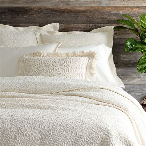 ivory coverlet scramble ivory matelass 233 coverlet pine cone hill