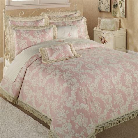 pink matelasse coverlet matelasse bedspreads bedding decoration bedspreadss com