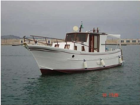 pilotina cabinata usata pilotina in toscana barche a motore usate 70665 inautia