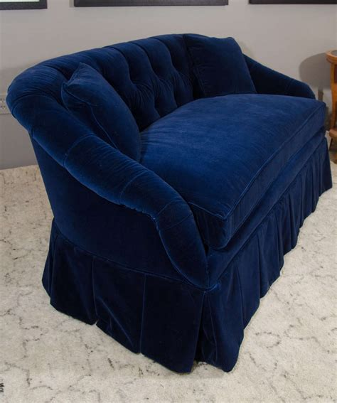 blue velvet settee 21st century blue velvet settee for sale at 1stdibs