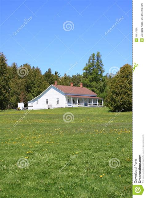 simple white ranch house royalty free stock images image