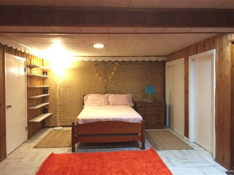 fully furnished cozy spacious basement studio for singles