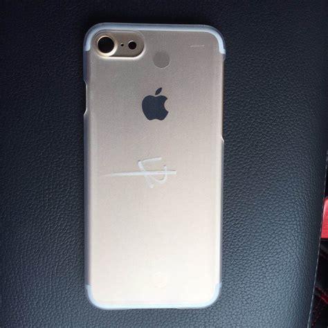 iphone 7 y iphone 7 pro fotografiados