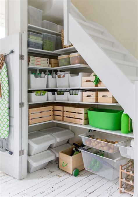 speisekammer unter der treppe trapkast inspiratie homease