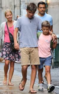 Hard to believe she s 41 kelly ripa s tall young sons are growing