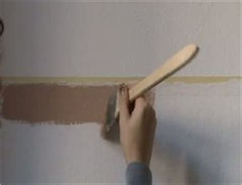 Decke Streichen In Der Schwangerschaft by Wand Streichen Mit Streifen So Klappt S