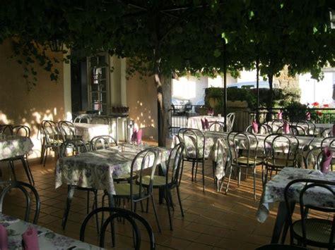 la terrasse 07270 le crestet hotel restaurant la terrasse h 244 tel le crestet