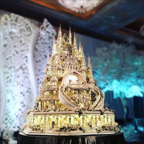 Hochzeitstorte Schloss by 15 Unique Wedding Cakes Guaranteed To Leave You Spellbound