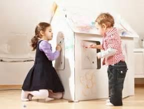 giochi da fare in casa in tre giochi per bambini da fare in casa 2 3 anni un rotolone