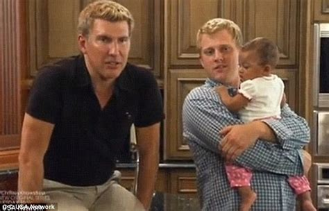 todd chrisley wife teresa exclusive he s a snake who shut me out of my child s