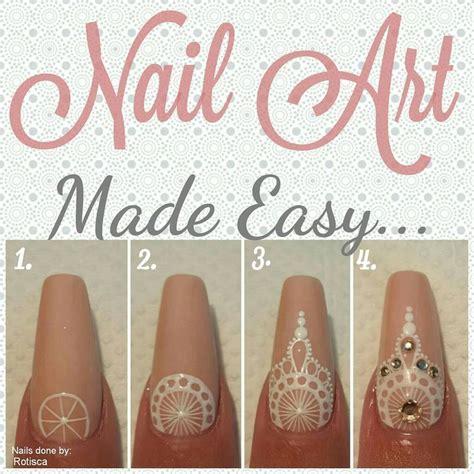 Simple Henna Nail