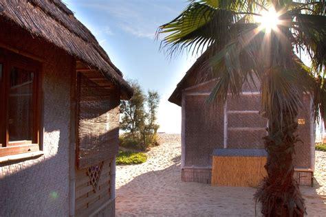 tiki hutte reservation tiki hutte les pieds dans le sable tiki hutte