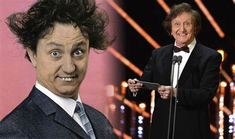 celebrity jokes one liners ken dodd funeral comedian s famous jokes and one liners