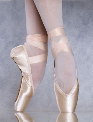 25 best ideas about ballet shoes on pointe