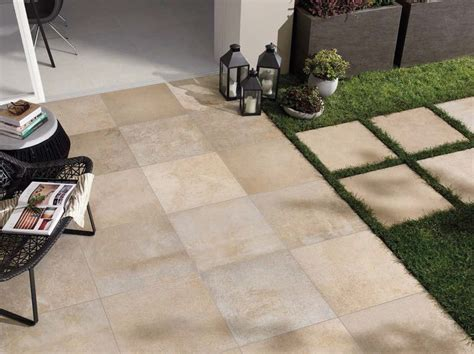 pavimenti esterni giardino pavimento per esterni in gres porcellanato effetto pietra