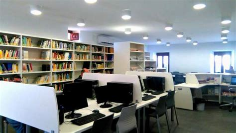 biblioteca coria la rehabilitaci 243 n de un edificio como biblioteca en coria