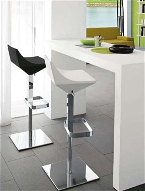 lada da cucina sgabelli semplici da bancone o di design consigli utili
