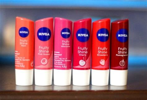 Lipgloss Nivea nivea fruity shine lip balm cherry pomegranate