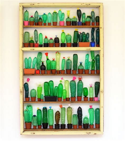 etagere plastik recycled pet plastic bottle plant and animal sculptures by