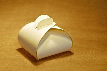 kleine box basteln mal eine ungew 246 hnliche schachtel basteln diy presents
