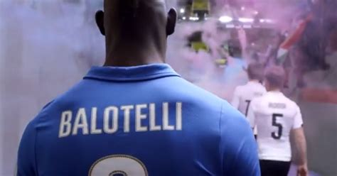 Overall Balotely Blue Pink Why Is Mario Balotelli Wearing One Pink Boot And One Blue