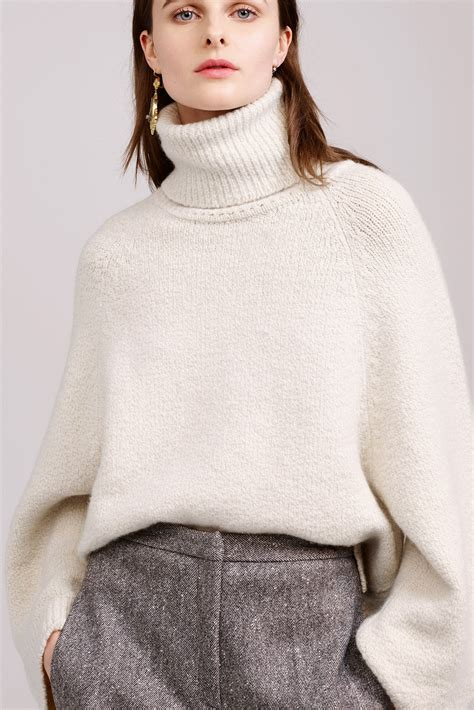 Backtothe Sweater turtleneck sweaters are back in fall 2018